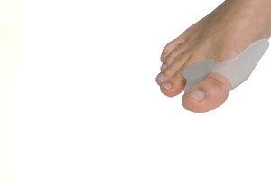 Separator plus shield for bunions